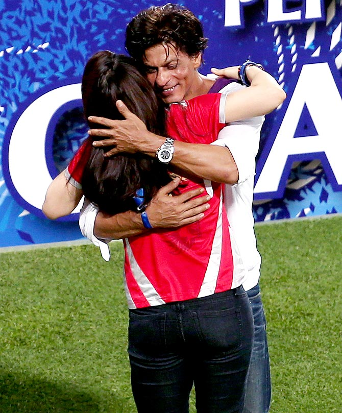 Shah Rukh Khan hugs Preity Zinta after the IPL final
