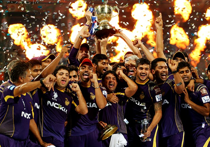 Kolkata Knight Riders players celebrate winning IPL 7
