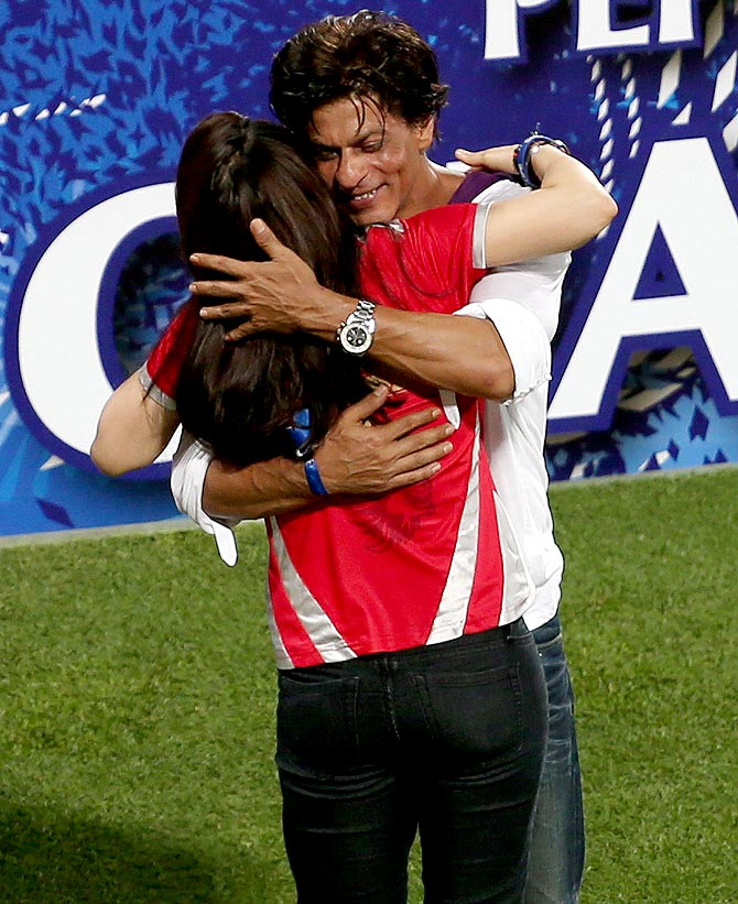 Shah Rukh Khan hugs Kings XI Punjab co-owner Preity Zinta after the IPL final
