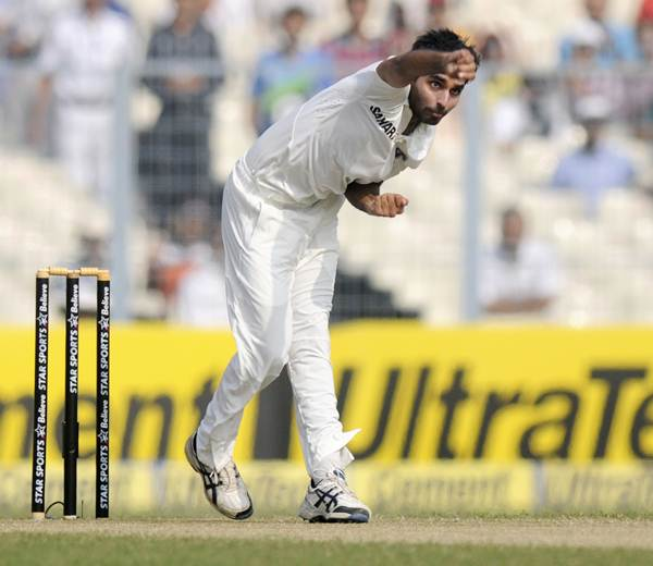 After Ishant, will injury rule Bhuvi too out of fourth Test?