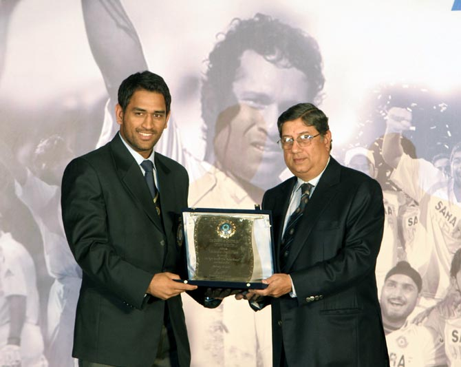 Narayanaswami Srinivasan (right) with Mahendra Singh Dhoni