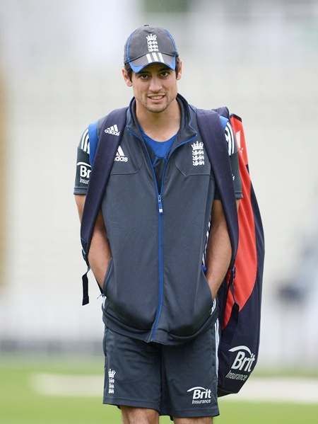 Warne implores Cook to quit captaincy