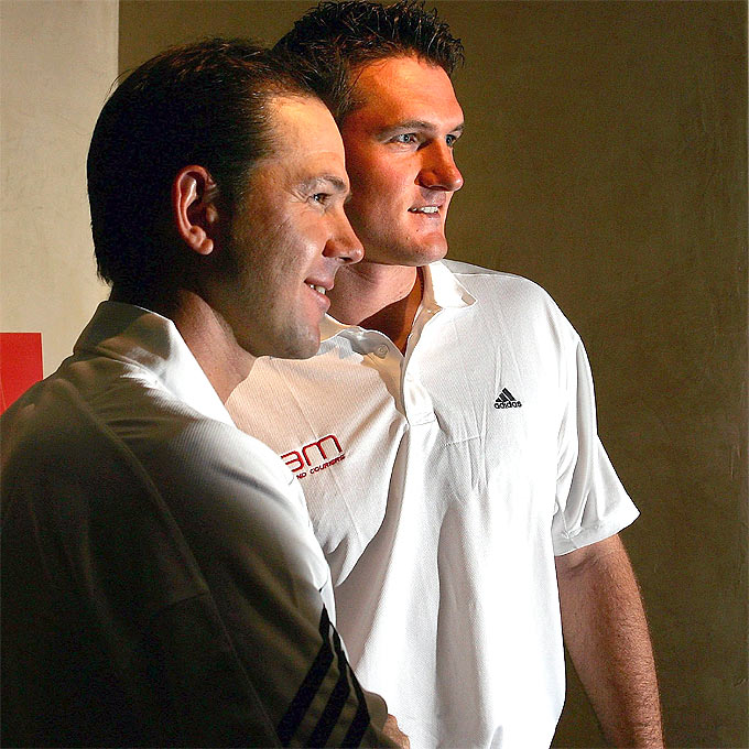 Ricky Ponting (L) and Graeme Smith