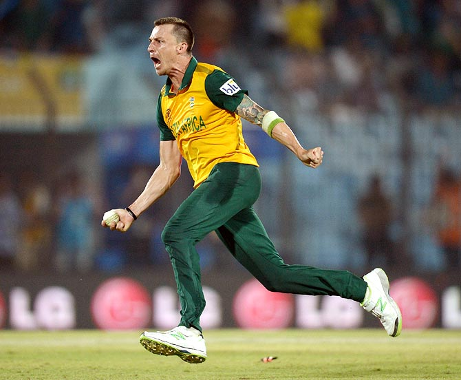 South Africa fast bowler Dale Steyn celebrates winning the match against New Zealand