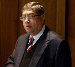 Srinivasan has cataract surgery, mum about SC observation