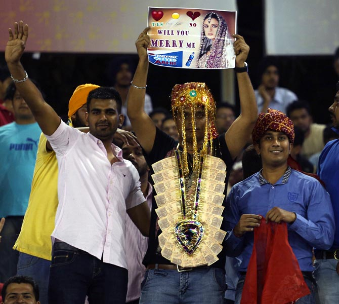 Fans with a message for Kings XI Punjab co-owner Preity Zinta during IPL 6.