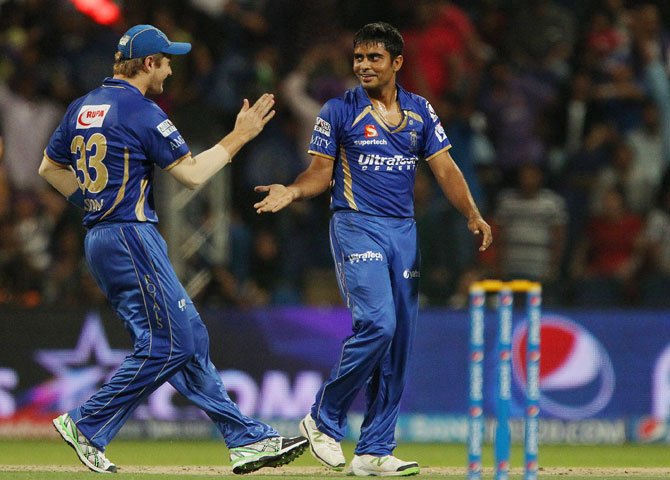 Rajasthan captain Shane Watson congratulates Rajat Bhatia