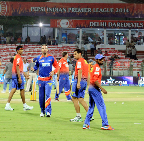 Captain Kevin Pietersen in a practice session along with his Delhi Daredevils teammates