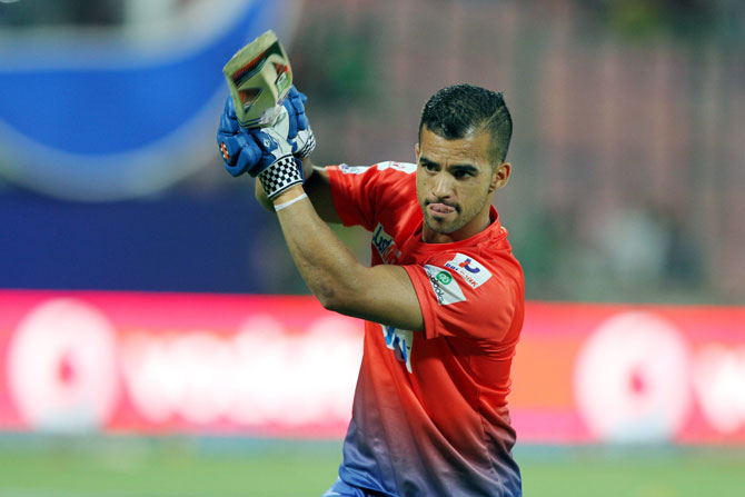Delhi's JP Duminy during a practice session