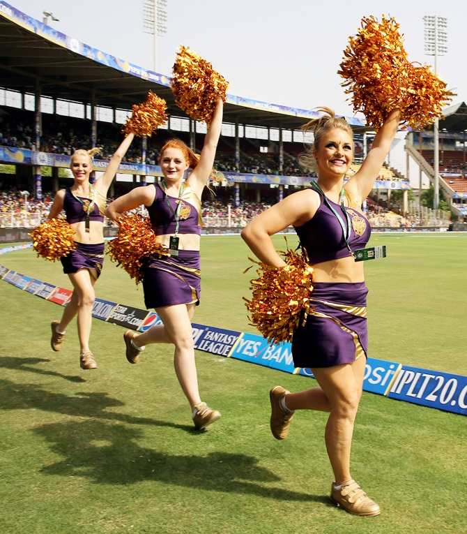 Kolkata Knight Riders cheerleaders enthrall the spectators