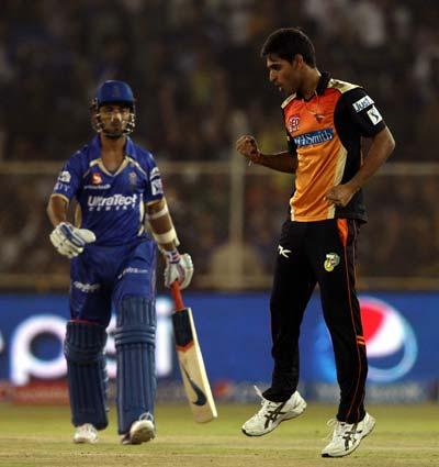 Watson's 'trick' in vain as Hyderabad crush Rajasthan
