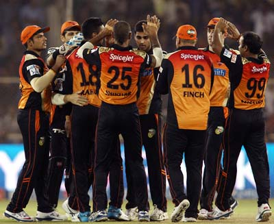 Bhuvneshwar Kumar celebrates a wicket with his Sunrisers Hyderabad teammates