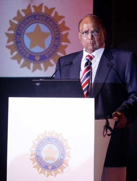 MCA chief Pawar seeks explanation on IPL final snub