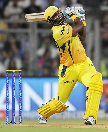 Dhoni, Smith sizzle in CSK's emphatic win over Mumbai