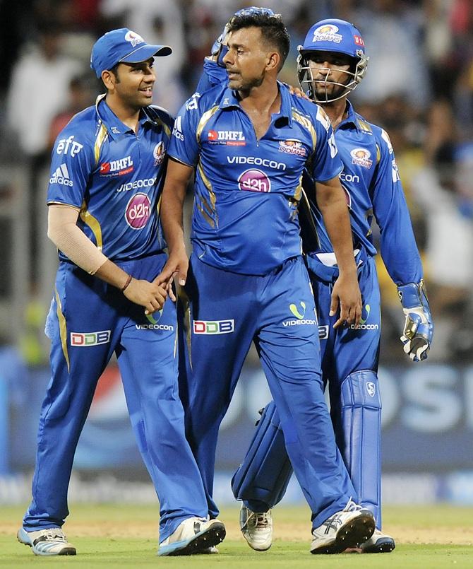 Praveen Kumar with Mumbai Indians teammates