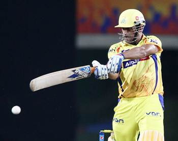 Dhoni's last over six takes Super Kings past Royals