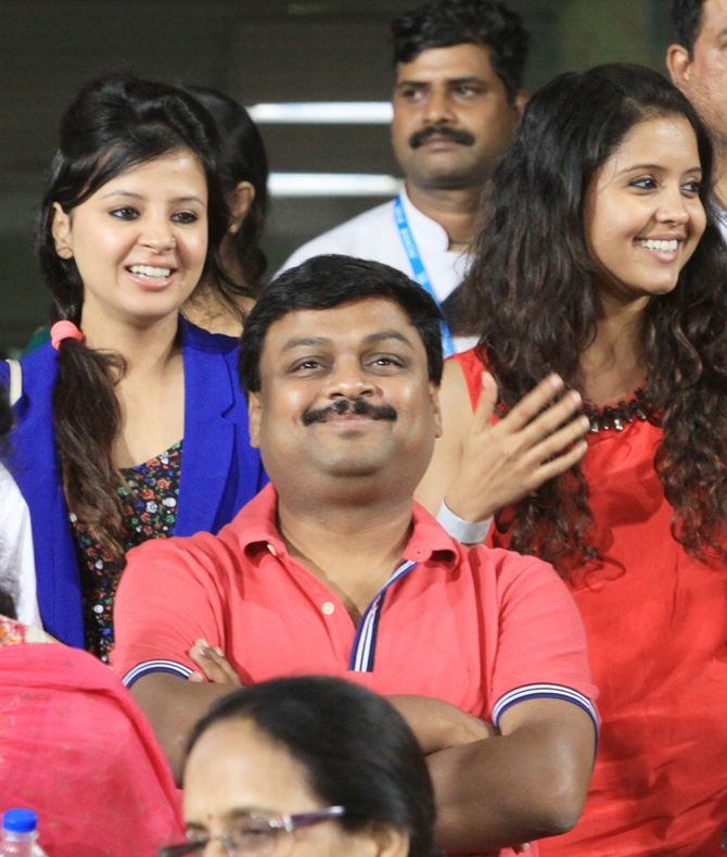 Sakshi with Prithi (right), R Ashwin's wife