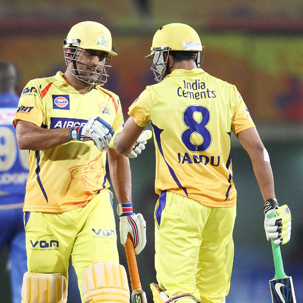 MS Dhoni and Ravindra Jadeja congratulate each other after taking Chennai home against Rajasthan