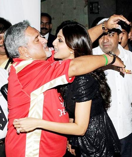 Vijay Mallya hugs Shilpa Shetty