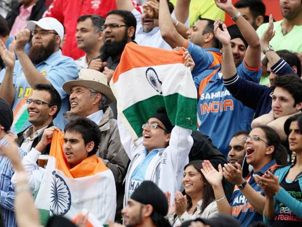 Fans show their support during the Twenty20 warm-up match between India and Pakistan at The Brit Oval on June 3, 2009 in London,
