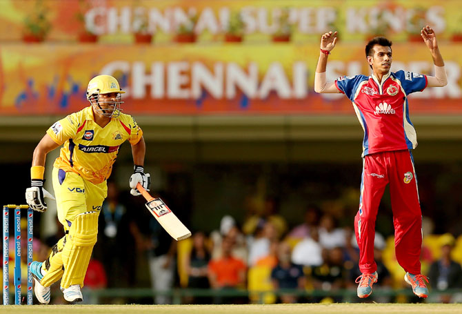 Suresh Raina takes a single as Yuzvendra Chahal reacts