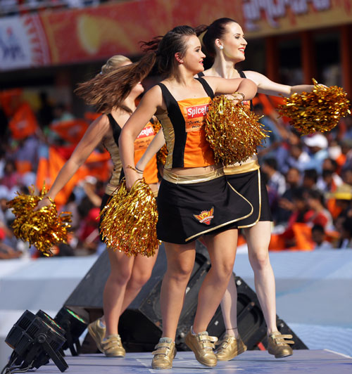 IPL PHOTOS: Sexy cheerleaders sizzle as teams continue to fizzle