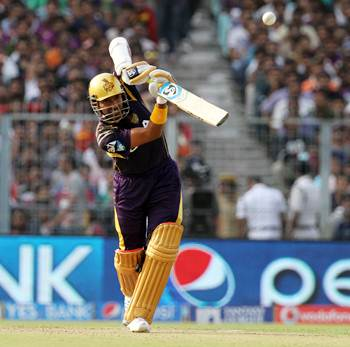 Kolkata knock Bangalore out, qualify for play-offs