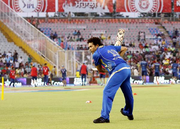 Sachin Tendulkar practices with Mumbai Indians before Wednesday's match against Kings XI Punjab.