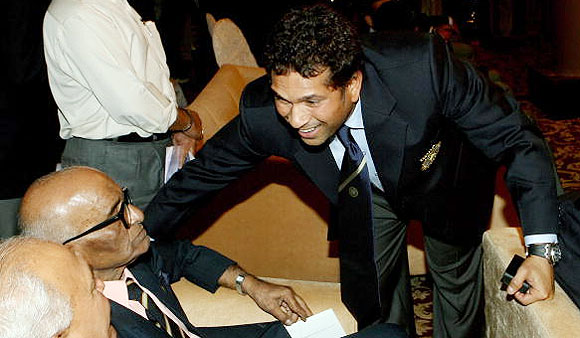 Sachin Tendulkar with Madhav Mantri (left)