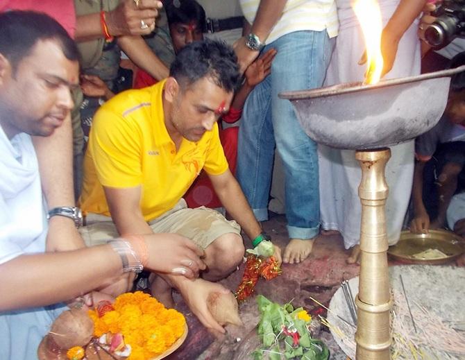 Mahendra Singh Dhoni visits the Deori temple.