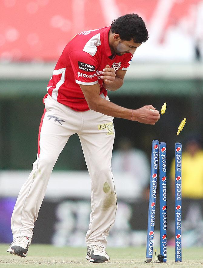 Pietersen stayed on even as the team wilted around him