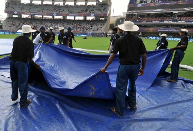 Cricket Buzz: Rain threatens Kolkata-Punjab IPL qualifier