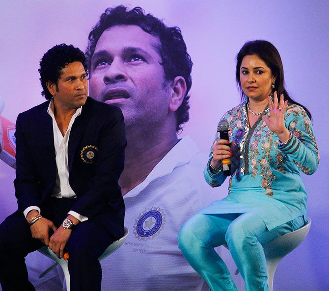 Rediff Sports - Cricket, Indian hockey, Tennis, Football, Chess, Golf - When Anjali fell for 17-year-old Tendulkar