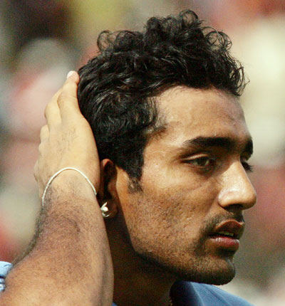 Rediff Cricket - Indian cricket - Duleep Trophy: Shukla rattles South Zone after Uthappa's ton