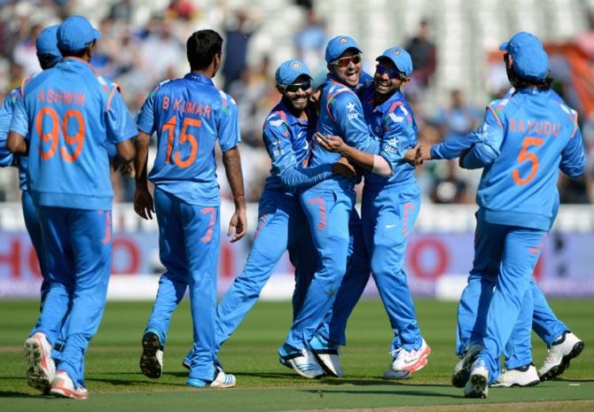 Suresh Raina celebrates
