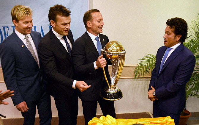 Brett Lee, Gilchrist and Abbot