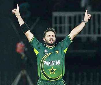 Rediff Sports - Cricket, Indian hockey, Tennis, Football, Chess, Golf - Pakistan name Afridi T20 captain, Misbah to lead in Tests, ODIs