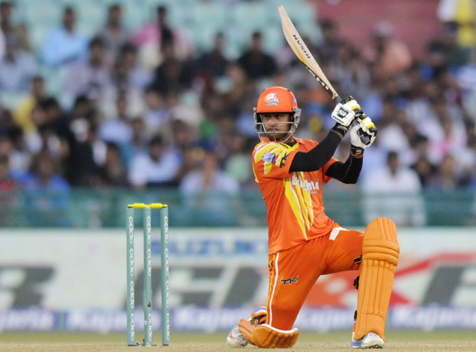 Rediff Sports - Cricket, Indian hockey, Tennis, Football, Chess, Golf - CLT20: Hafeez shines as Lahore Lions beat Southern Express