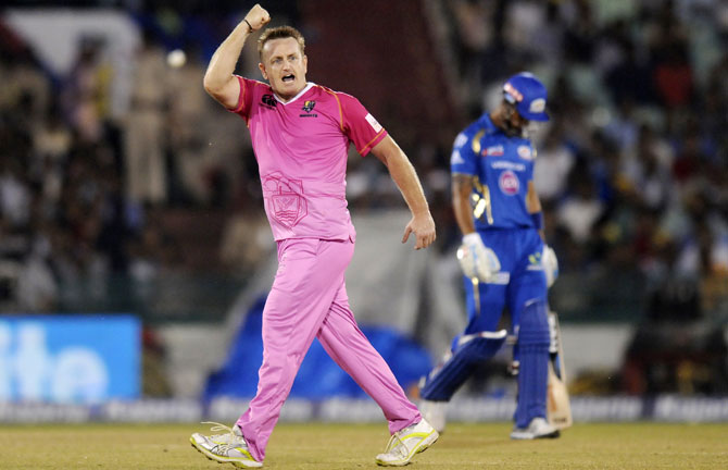 Rediff Sports - Cricket, Indian hockey, Tennis, Football, Chess, Golf - CLT20: Holders Mumbai Indians crash out as Knights make the cut