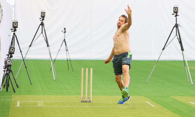 Rediff Sports - Cricket, Indian hockey, Tennis, Football, Chess, Golf - Cricket Buzz: Australia prepare artificial pitch for spin practice
