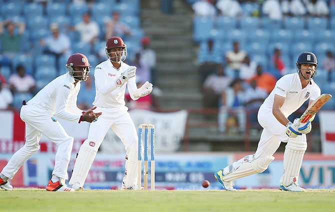 Rediff Cricket - Indian cricket - 2nd Test, Day 2, PHOTOS: Samuels strikes ton, but England make strong reply
