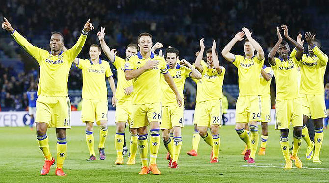 Rediff Sports - Cricket, Indian hockey, Tennis, Football, Chess, Golf - Chelsea well on way to grab EPL title but can Arsenal catch them?
