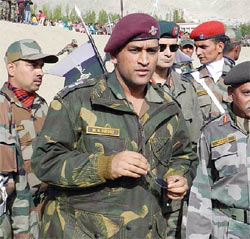 A file image of Mahendra Singh Dhoni's visit to the border