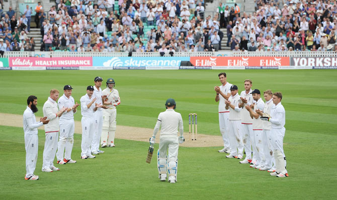 A guard of honour for Clarke and words of praise from Warner
