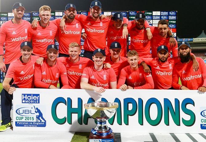 Rediff Sports - Cricket, Indian hockey, Tennis, Football, Chess, Golf - Complete whitewash! England wrap up T20 series with 'super' win against Pakistan