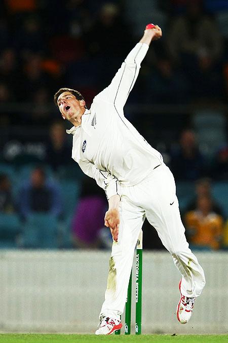 Rediff Sports - Cricket, Indian hockey, Tennis, Football, Chess, Golf - Balance-providing Santner retained in NZ squad for Lanka series