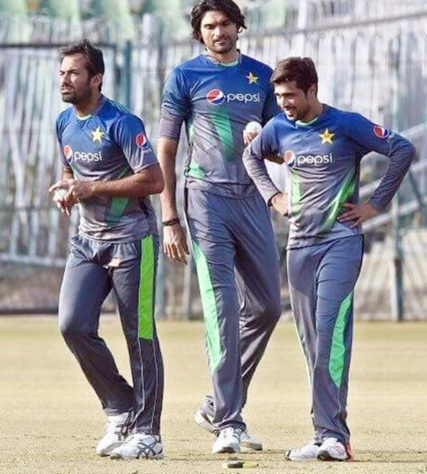 pakistan pace attack