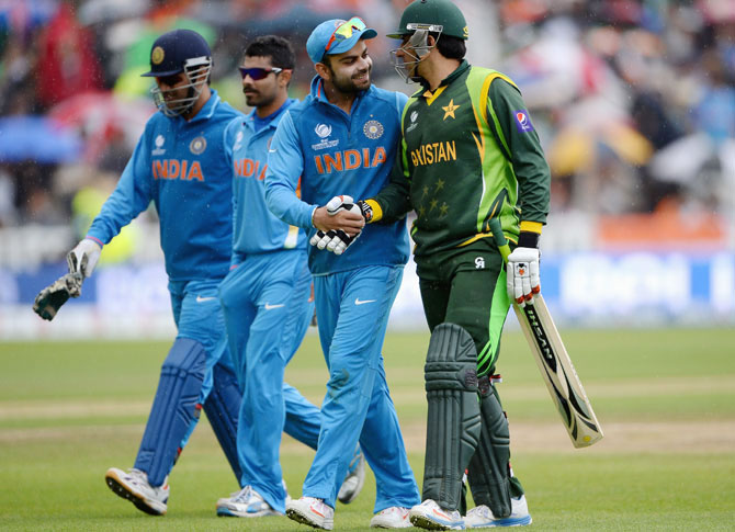 Rediff Sports - Cricket, Indian hockey, Tennis, Football, Chess, Golf - Indo-Pak series proposal to honour 'Team Kasab': Shiv Sena
