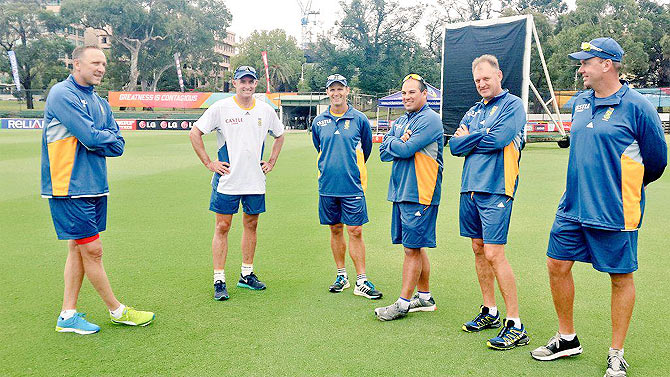Allan Donald, Mike Hussey and Gary Kirsten oversee a South African training session on Wednesday