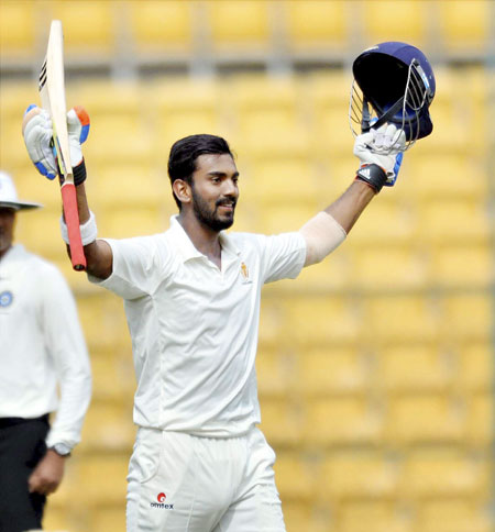 Rediff Cricket - Indian cricket - Injured Pandya released, Rahul likely to be fit for Mumbai Test